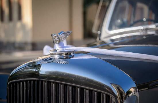 destination wedding car in tuscany